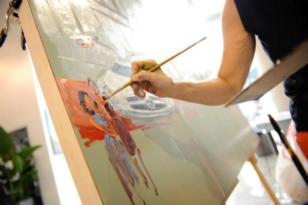 Joan Zylkin live painting for Mercedes Benz